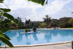 Piscines d 39 estiu i cursos de nataci fundaci n deportiva for Benicalap piscina