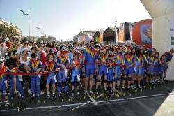 Más de 2.000 patinadores disfrutan del Circuito Urbano y la Marina Real