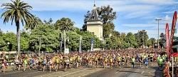 Ahouchar y Amelia Martín ganan una Volta a Peu a Valencia con 20.000 participantes