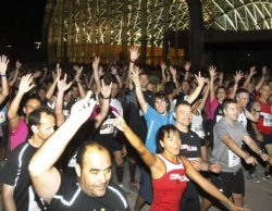 La 'Fiebre del sábado noche' de 4.500 atletas populares
