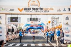 Valencia vuelve a disfrutar del Medio Maratón más rápido de 2015 y un elevado nivel participativo