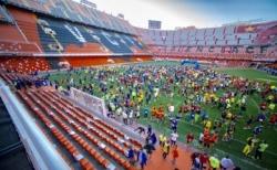 Inscríbete en la II Volta a Peu Fundació València C.F y termina la carrera en el césped de Mestalla